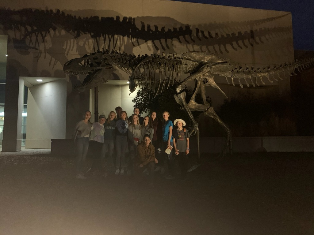 8th graders at the Museum of the Rockies